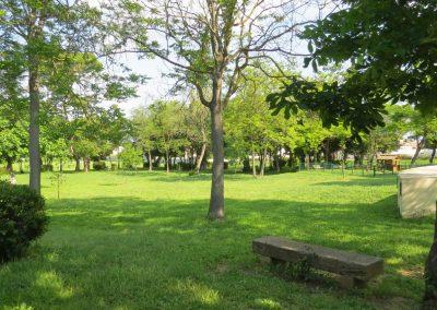 Mairie-Vinassan-campingcars-parc